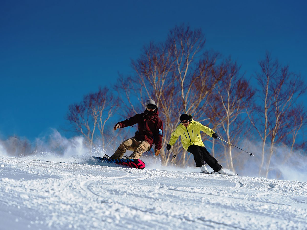 万座温泉スキー場のゲレンデ写真