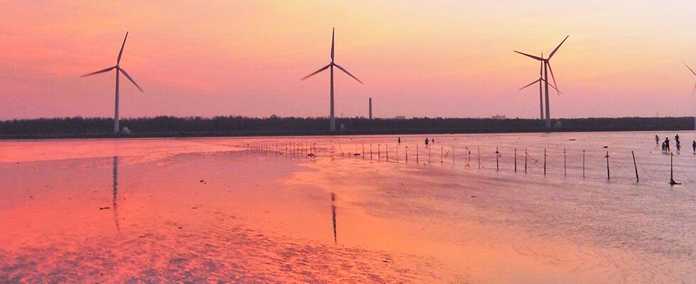 台湾のウユニ塩湖!?一度見たら忘れられない「高美湿地」の鏡張りの絶景!